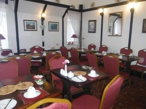 BALMORAL DINING 2